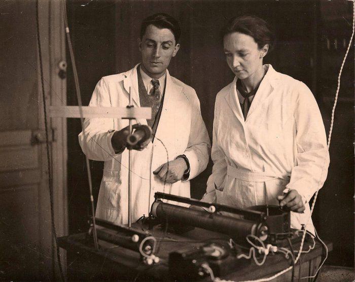 Фредерик и Ирен Жолио-Кюри.